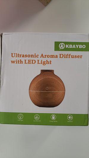 White ultrasonic aroma humidifier for Sale in Miami, FL