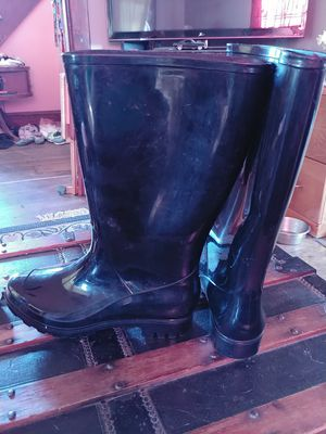 Rubber boots for Sale in Painesville, OH