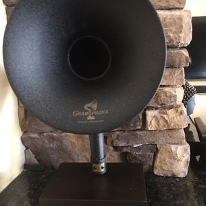 Functional Vintage Looking Gramaphone for Sale in Pompano Beach, FL