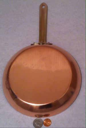 """Vintage Metal Copper and Brass Sauce Pan, 14 1/2"""" Long and 8"""" Wide, Kitchen Decor, Hanging Decor, This Can Be Shined Up Even More. 3819 for Sale in Lakeside, CA"""