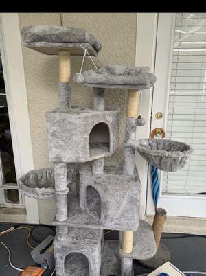 Cat post for Sale in Orlando, FL