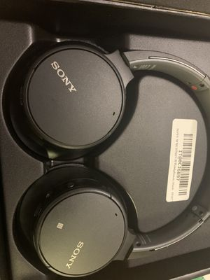 70 SONY CH700N Wireless Bluetooth Noise Cancelling Headphones - WH-CH700N for Sale in Elk Grove, CA