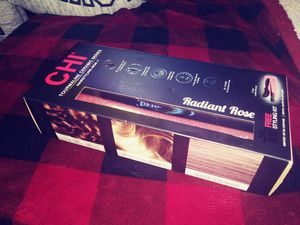 NIB CHI womens radiant rose hair straightener for Sale in Tacoma, WA