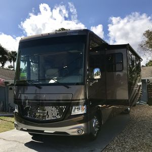 Newmar Canyon Star 3710 for Sale in New Smyrna Beach, FL
