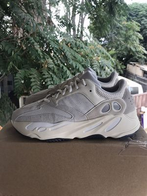 Yeezy 700 Analog for Sale in Riverside, CA