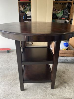 Breakfast table and 4 stools for Sale in Las Vegas, NV