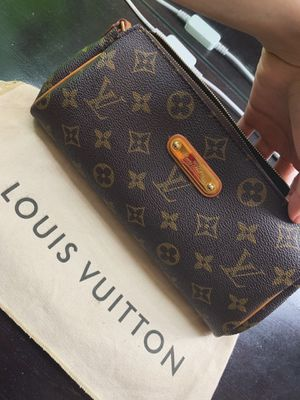 Louis Vuitton Eva Clutch for Sale in Los Angeles, CA