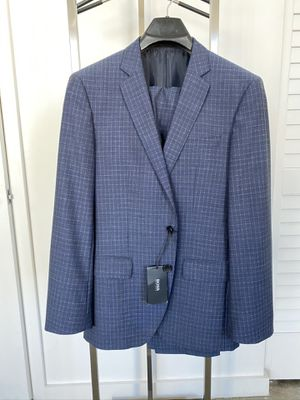 NEW Hugo Boss dieselstrasse 12 blue checker suit genius3 38R with free Garment bag for Sale in Miami, FL