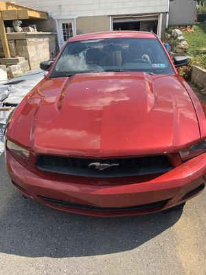 2010 Ford Mustang (Clean title) for Sale in Allentown, PA