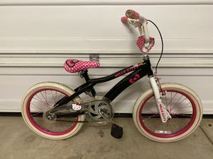 """18"""" Girls Hello Kitty bike with training wheels for Sale in San Jose, CA"""