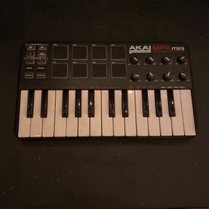 Akai Mpk Mini Keyboard for Sale in Whittier, CA