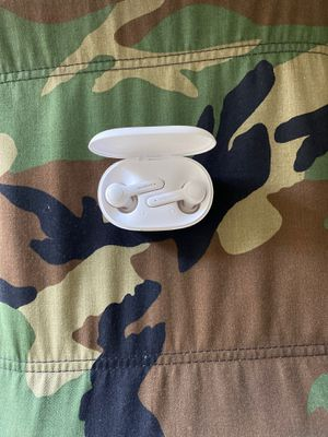 Wireless Headphones with Charging case and cord for Sale in Tacoma, WA