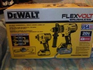 DeWALT FLEXVOLT BRUSHLESS 20V HAMMER DRILL/IMPACT DRIVER COMBO KIT WILLING TO TRADE FOR IPHONE XS MAX IF NOT CASH for Sale in Gardena, CA