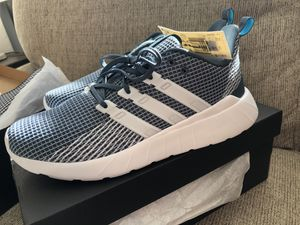 Womens Adidas Size 5 for Sale in Philadelphia, PA