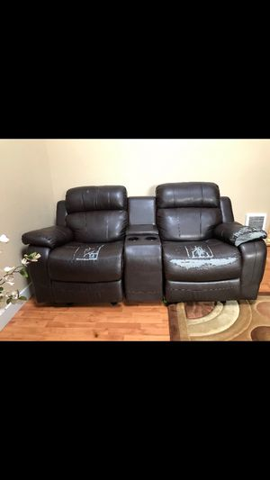 Nice recliner couch. for Sale in Vancouver, WA