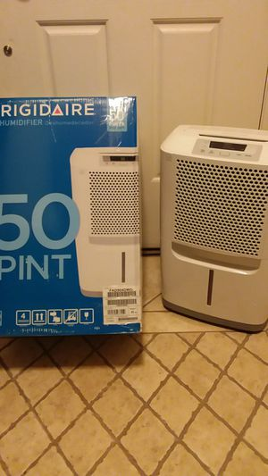 Frigidaire FAD504DWDa 50 Pint Capacity Dehumidifier with Effortless Humidity Control for Sale in Tolleson, AZ