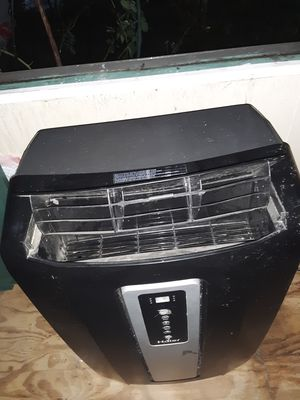 Haier portable air conditioner. 1200 watts/12000BTU. for Sale in Paragould, AR