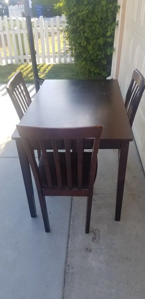 Kitchen table with 3 chairs for Sale in Los Angeles, CA