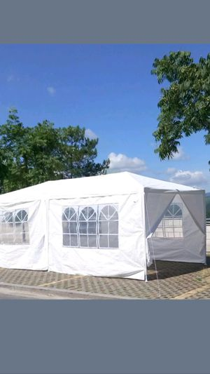 BRAND NEW CANAPI TENT 10X20 WITH 6 REMOVABLE WALLS STILL IN THE BOX for Sale in Los Angeles, CA