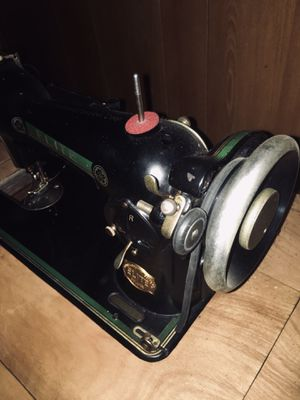 Elite Sewing Machine for Sale in Grove City, OH