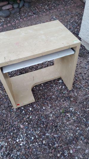 Small desk for Sale in Mesa, AZ