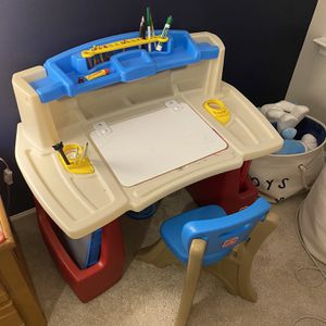 Kids desk and chair for Sale in Cumming, GA