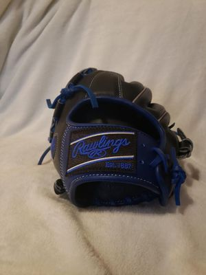 Rawlings heart of the hide baseball glove left hand for Sale in Austin, TX