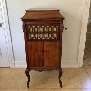Antique Phonograph ... for Sale in Fort Lauderdale, FL