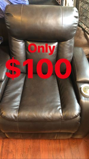 Recliner chair for Sale in Ashburn, VA