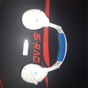 Wireless Going Headset And 4 Games for Sale in Tampa, FL