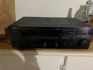Yamaha natural sound stereo receiver R-v501 for Sale in Simi Valley, CA