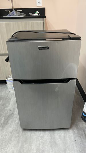 Mini Freezer/Fridge! Works GREAT!! Moving!! for Sale in Rancho Cucamonga, CA