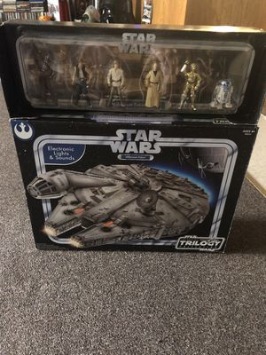 Star Wars trilogy falcon with figures for Sale in Fresno, CA