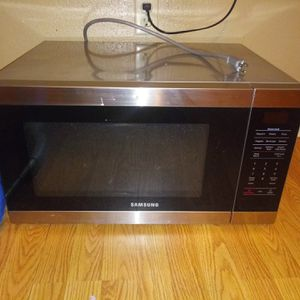 Samsung microwave for Sale in Reserve, LA