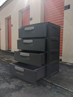 Plastic Storage drawers for Sale in Oakland Park, FL