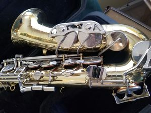Alto saxophone - Selmer Bundy II for Sale in San Diego, CA