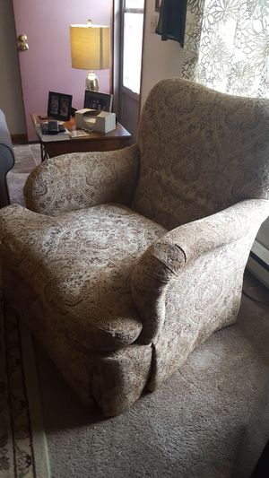 Chair and Couch for Sale in Tacoma, WA