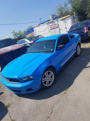 2010 Ford Mustang premium for Sale in Nashville, TN
