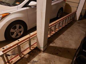 Louisville 32' Heavy Duty Extension Ladder for Sale in Barnegat, NJ