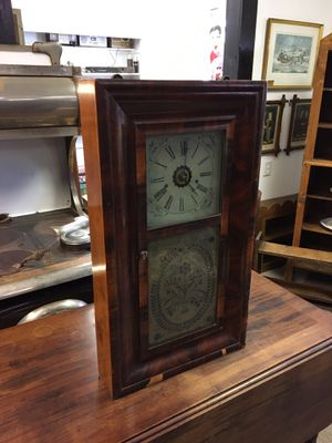 Antique Wooden glass front clock, good shape, great for display for Sale in Manalapan Township, NJ