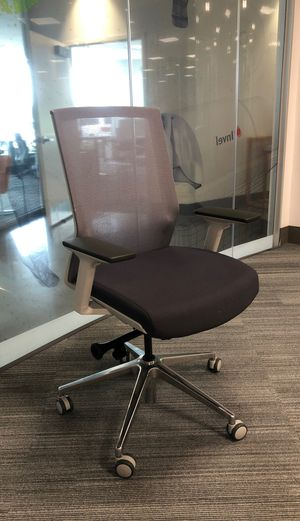 AMQ office chair for Sale in Orlando, FL