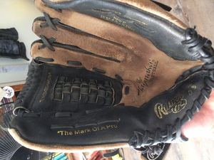Rawlings baseball glove for Sale in San Diego, CA