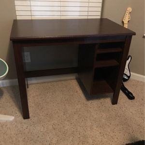 Desk Dark Brown for Sale in Visalia, CA