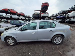 Chevy malibu cobal 2008 only parts for Sale in Hialeah, FL