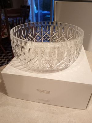 """NIB """"Amphoria"""" Crystal Bowl by Royal Gallery of Crystal for Sale in Lake Tapps, WA"""