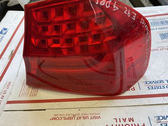 2008-2011 BMW 3 Series 335i Tail Light Passenger Side W-4882 for Sale in Los Angeles,  CA