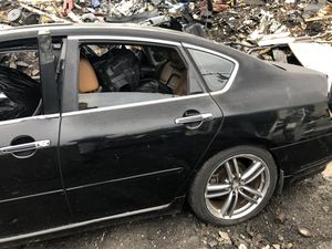 2006 Infiniti m45 for part doors transmission engine bumper support for Sale in Hialeah, FL