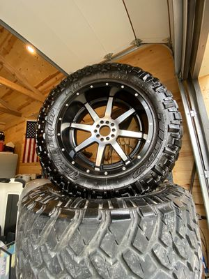 Set of Five tires and wheels for Jeep Wrangler for Sale in San Antonio, TX