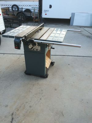 "10"" table saw heavy duty all metals. for Sale in Las Vegas, NV"