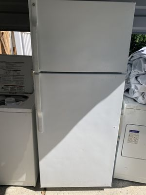 GE refrigerator for Sale in Monroe Township, NJ